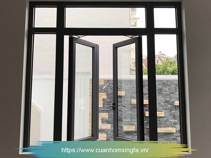 Cửa nhôm Xingfa mở quay màu ghi xám (cửa sổ)